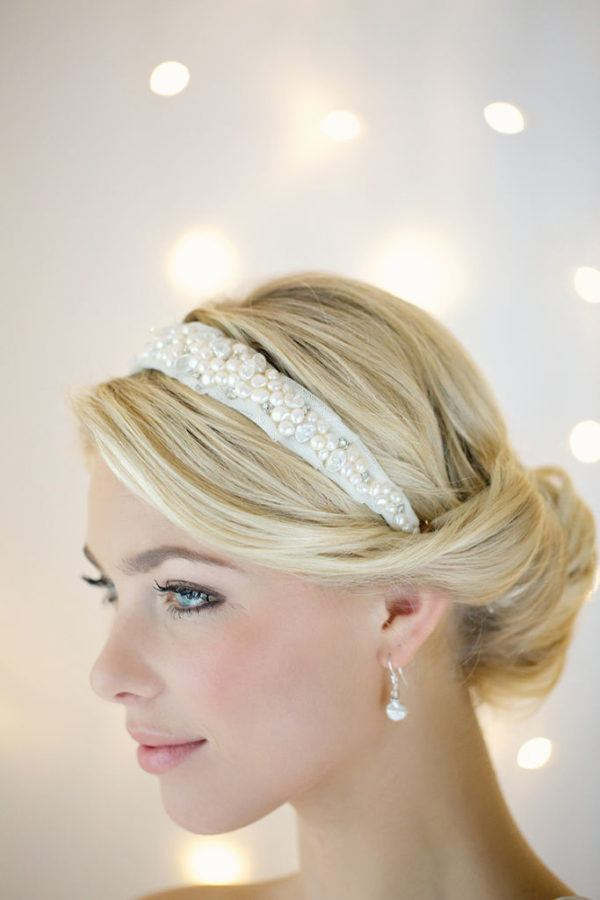 headbands-for-christmas-2015-model-of-flowers-of-victoria-fergusson-white headband-with-pearls