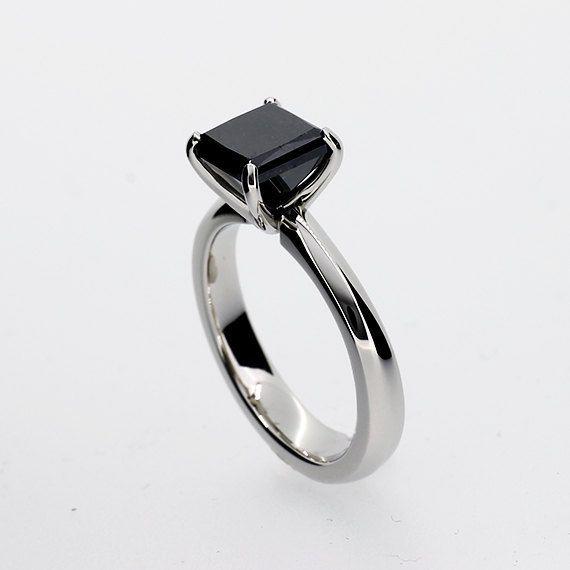 anel de noivado de pedra preta