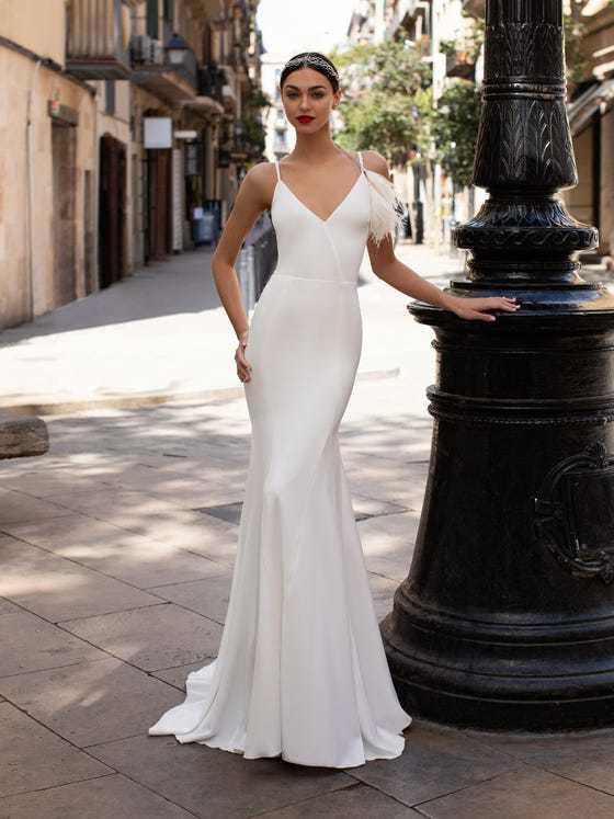 Vestido de noiva civil Pronovias modelo LWD 07